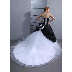 robes de mariée de moins de 50 ans