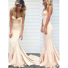Stunning Sweetheart Sleeveless Trumpet/Mermaid Satin Prom Dresses