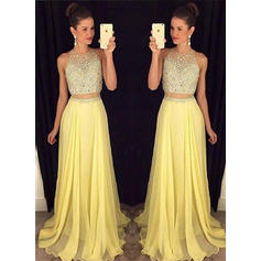 A-Line/Princess Scoop Neck Floor-Length Chiffon Prom Dresses With Beading (018217328)