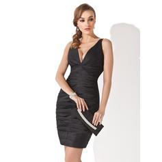 Sheath/Column V-neck Short/Mini Cocktail Dresses With Ruffle (016139290)
