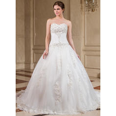Ball-Gown Sweetheart Chapel Train Wedding Dresses With Lace Beading (002000281)