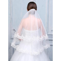 Fingertip Bridal Veils Tulle/Lace Two-tier Oval With Lace Applique Edge Wedding Veils