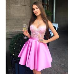 Delicate Satin Sleeveless Sweetheart Appliques Homecoming Dresses