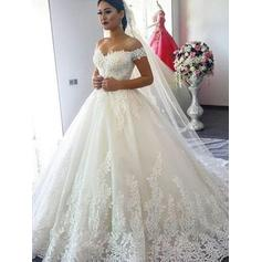 Tulle Fashion Wedding Dresses With Ball-Gown Off-The-Shoulder (002218049)