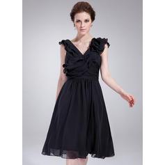 A-Line/Princess V-neck Knee-Length Cocktail Dresses With Ruffle Flower(s)