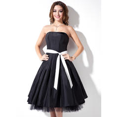 A-Line/Princess Taffeta Bridesmaid Dresses Sash Strapless Sleeveless Knee-Length (007001736)