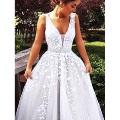 Tulle Sleeveless Ball-Gown Prom Dresses V-neck Beading Appliques Lace Sweep Train