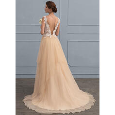 sleek lace wedding dresses uk