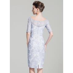 Forme Fourreau Hors-la-épaule Longueur genou Dentelle Robe de mère de la mariée (008074197)