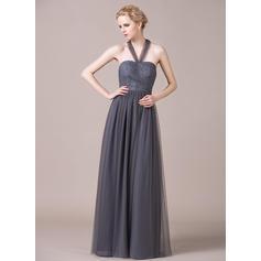 vestido de dama de honor de color morado oscuro con flores