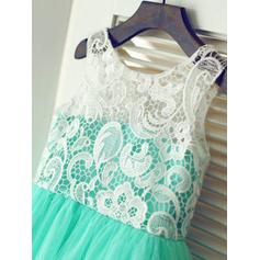 A-Line/Princess Scoop Neck Knee-length With Pleated Tulle/Lace Flower Girl Dresses