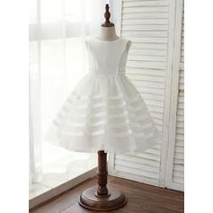 A-Line/Princess Knee-length Flower Girl Dress - Taffeta Sleeveless Scoop Neck (010125846)