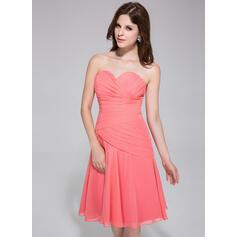 A-Line/Princess Sweetheart Knee-Length Chiffon Bridesmaid Dress With Ruffle (007026193)