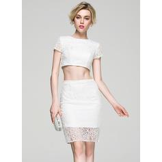 Sheath/Column Scoop Neck Lace Short Sleeves Knee-Length Cocktail Dresses