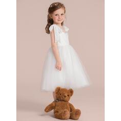 Ball Gown Knee-length Flower Girl Dress - Tulle/Lace Sleeveless V-neck (010132389)