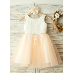 A-Line/Princess Scoop Neck Knee-length With Appliques/Rhinestone Tulle Flower Girl Dresses