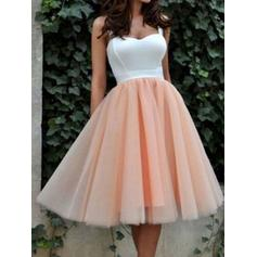 Tulle Sleeveless Knee-Length Sweetheart Homecoming Dresses