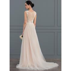 robes de mariée avec des manches longueur du thé