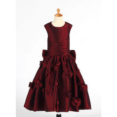 A-Line/Princess Scoop Neck Tea-length With Ruffles/Flower(s)/Sequins/Bow(s) Taffeta Flower Girl Dresses