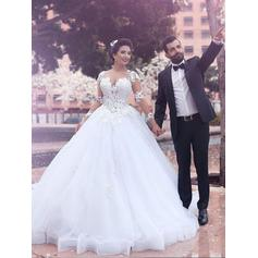 Ball-Gown Scoop Court Train Wedding Dress With Appliques Lace