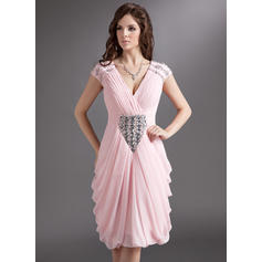 Sheath/Column V-neck Knee-Length Chiffon Cocktail Dresses With Ruffle Beading