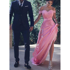 Satin Sleeveless Trumpet/Mermaid Prom Dresses Off-the-Shoulder Beading Court Train
