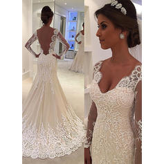 Sexy Court Train Trumpet/Mermaid Wedding Dresses V-neck Tulle Lace Long Sleeves