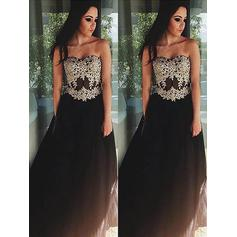 A-Line/Princess Sweetheart Floor-Length Evening Dresses With Appliques Lace (017210895)