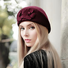 Señoras' Hermoso Madera Boina Sombrero