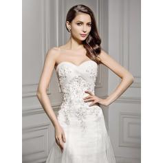 una línea de vestidos de novia de estilo