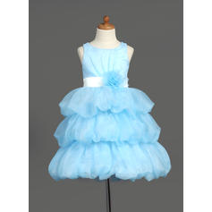 Knee-length Scoop Neck Organza/Satin Flower Girl Dresses With Sash/Flower(s) (010007781)