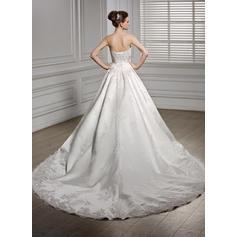pequeños vestidos de novia de oro