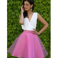 A-Line/Princess V-neck Short/Mini Tulle Cocktail Dresses With Ruffle