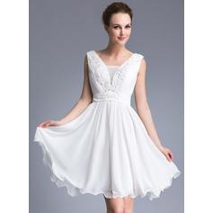 A-Line/Princess V-neck Chiffon Sleeveless Short/Mini Beading Appliques Lace Sequins Cocktail Dresses