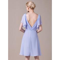 A-Linjainen V-kaula-aukko Polvipituinen Sifonki Morsiusneitojen mekko jossa Laskeutuva röyhelö (007059455)