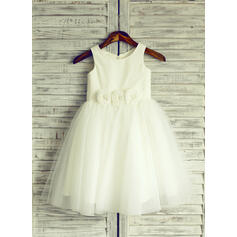 A-Line/Princess Knee-length Flower Girl Dress - Tulle Sleeveless Scoop Neck With Flower(s) (010105768)