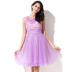 A-Line/Princess Scoop Neck Knee-Length Tulle Homecoming Dresses With Beading Sequins Bow(s) (022214028)