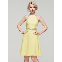 A-Line/Princess Scoop Neck Chiffon Sleeveless Knee-Length Beading Sequins Homecoming Dresses