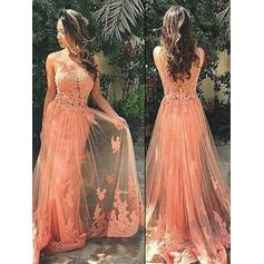 Tulle Sleeveless A-Line/Princess Prom Dresses Scoop Neck Appliques Lace Sweep Train