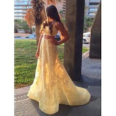 Simples Apliques de Renda Vestidos princesa/ Formato A Cetim Vestidos de baile