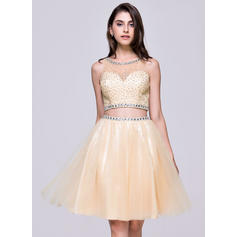 A-Line/Princess Scoop Neck Tulle Sleeveless Knee-Length Beading Sequins Homecoming Dresses