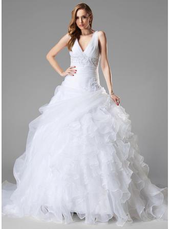 Corte de baile Escote en V Cola capilla Organdí Vestido de novia con Encaje Cuentas Lentejuelas Cascada de volantes