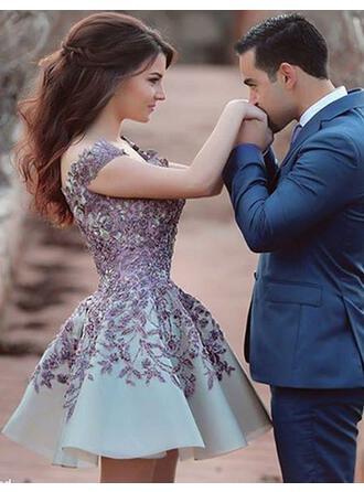 A-Line/Princess Off-the-Shoulder Knee-Length Prom Dresses