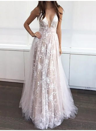 A-Line/Princess V-neck Sweep Train Tulle Prom Dresses With Appliques Lace