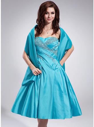 A-Line/Princess Sweetheart Knee-Length Taffeta Homecoming Dresses With Ruffle Beading