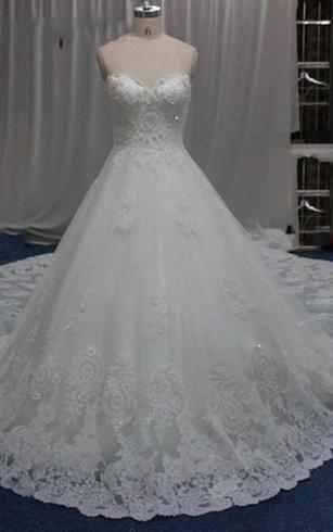 A-Line/Princess Strapless Sweetheart Cathedral Train Wedding Dress With Lace Beading Appliques Lace