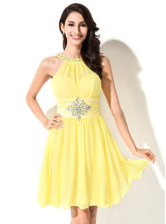 Stunning Chiffon Sleeveless Scoop Neck Ruffle Beading Sequins Homecoming Dresses