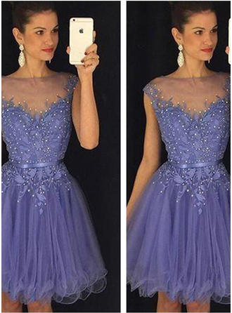A-Line/Princess Scoop Neck Knee-Length Cocktail Dresses With Beading