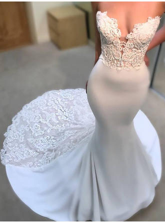 Sweetheart Trumpet/Mermaid Wedding Dresses Satin Appliques Sleeveless Court Train