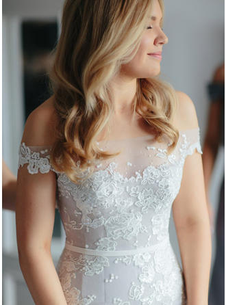Trumpet/Mermaid Off-The-Shoulder Court Train Wedding Dress With Lace Appliques Lace (002148105)